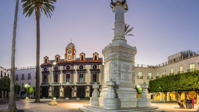 Plaza Vieja, corazón de Almería. Que no te la roben